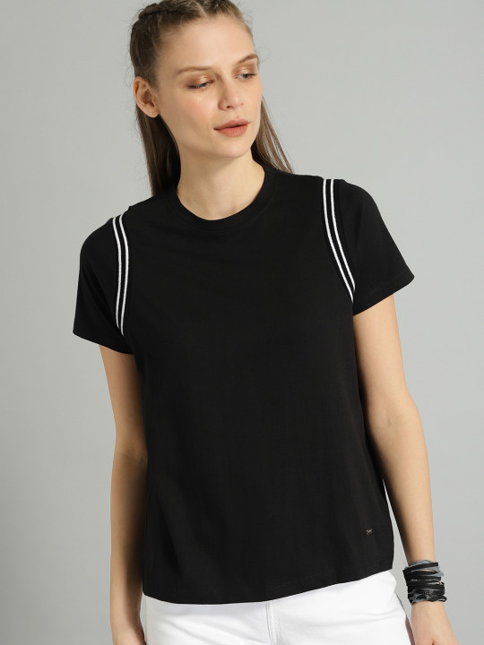 Best Price Offer - Roadster Women Black Solid Round Neck T-shirt